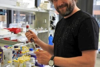 Rozhovor s Vítězslavem Bryjou o vývoji inhibitorů pro léčbu chronické lymfocytární leukémie