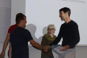 Gratulujeme! Doc. Martin Vácha získal ocenění za nejlepší přednášku vedoucího skupiny na PI semináři!